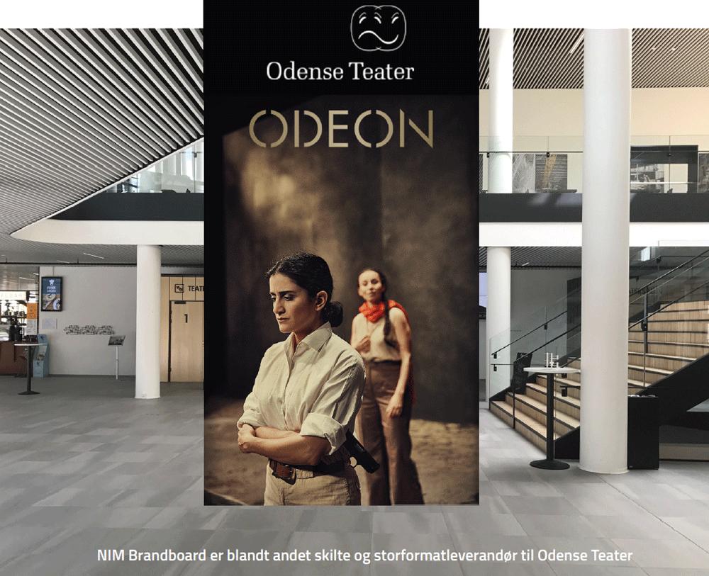 Billedet viser storformat print for en forestilling i Odeon for Odense Teater